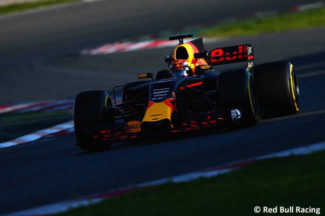 Daniel Ricciardo - Red Bull Racing - Test 2 Barcelona - Pretemporada 2017