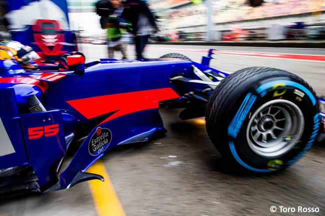 Carlos Sainz - Scuderia Toro Rosso - Gran Premio China 2017 - Entrenamientos - Viernes
