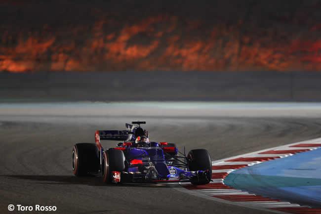 Daniil Kvyat - Toro Rosso - GP Bahréin - 2017 - Viernes