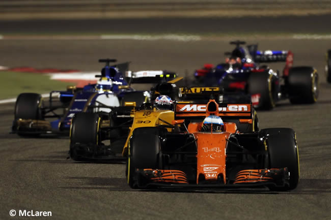 Fernando Alonso - McLaren - GP Bahréin - 2017 - Domingo - Carrera