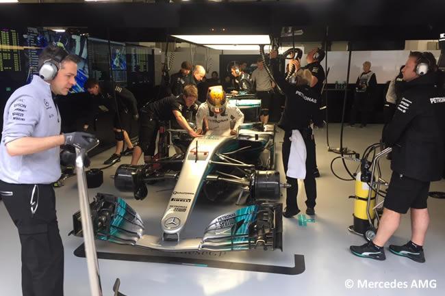Lewis Hamilton - Mercedes AMG - Gran Premio China 2017 - Entrenamientos - Viernes