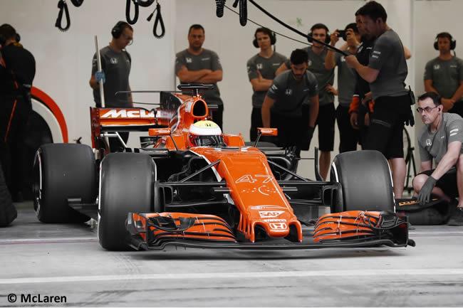 Oliver Turvey - McLaren - Test Bahréin temporada 2017 - Día 1