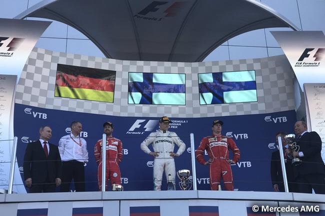 Podio - Valtteri Bottas - Sebastian Vettel - Kimi Raikkonen - Mercedes AMG - Scuderia Ferrari - GP Rusia - Sochi 2017