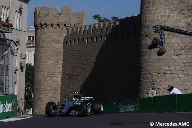 Valtteri Bottas - Mercedes - Viernes GP Azerbaiyán 2017
