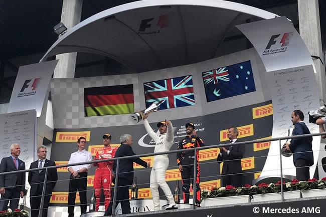 Podio - Lewis Hamilton - Sebastian Vettel - Daniel Ricciardo - GP Bélgica 2017