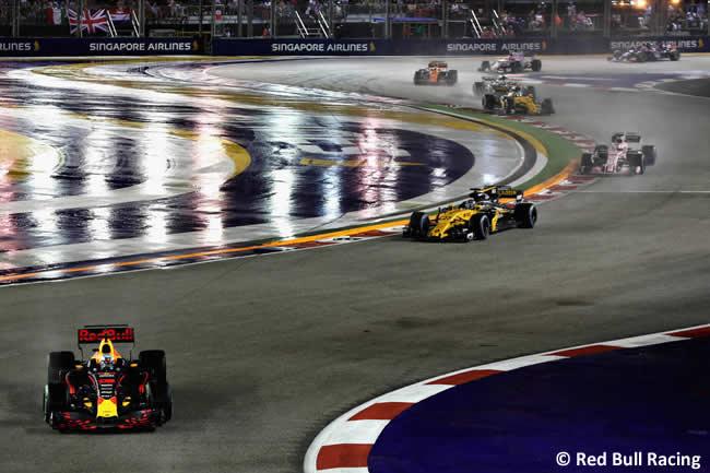 Daniel Ricciardo - Toro Rosso - Carrera - GP Singapur 2017