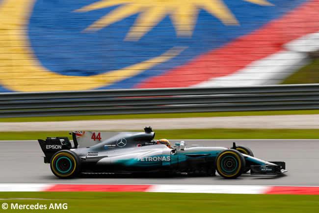Lewis Hamilton - Mercedes - GP Malasia 2017 - Entrenamientos