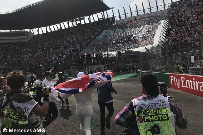 Lewis Hamilton - Mercedes AMG -Campeón 2017 - Carrera - GP México 2017