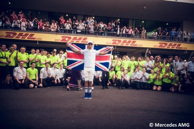 Lewis Hamilton - Mercedes AMG - Celebración 4 Título