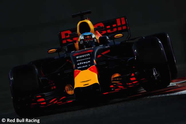 Daniel Ricciardo - Red Bull Racing - Entrenamientos - GP Abu Dhabi 2017