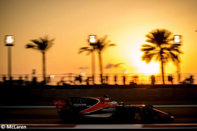 Fernando Alonso - McLaren - Entrenamientos - GP Abu Dhabi 2017