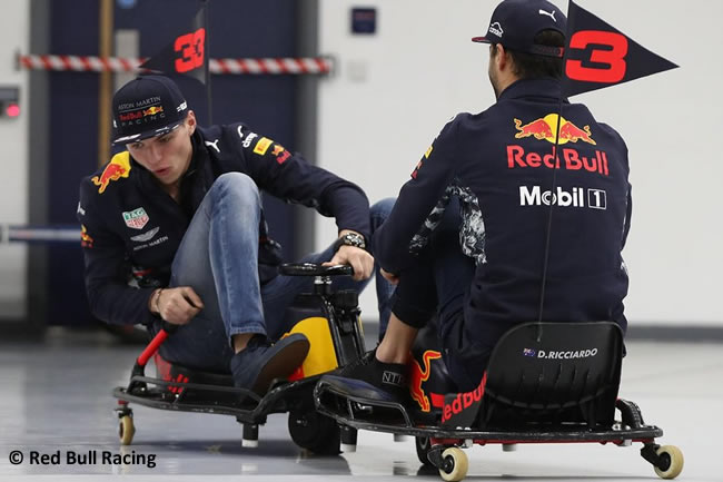 Crazy Cart - Red Bull Racing - Daniel Ricciardo - Max Verstappen - 2018