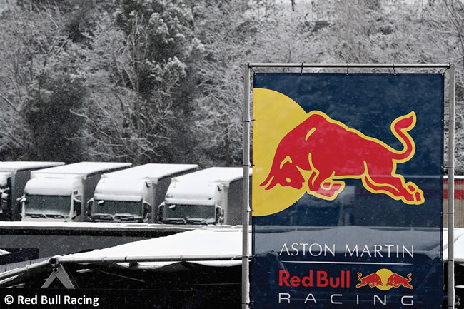 Test Barcelona 1 - Día 3 - Red Bull Racing - Nieve
