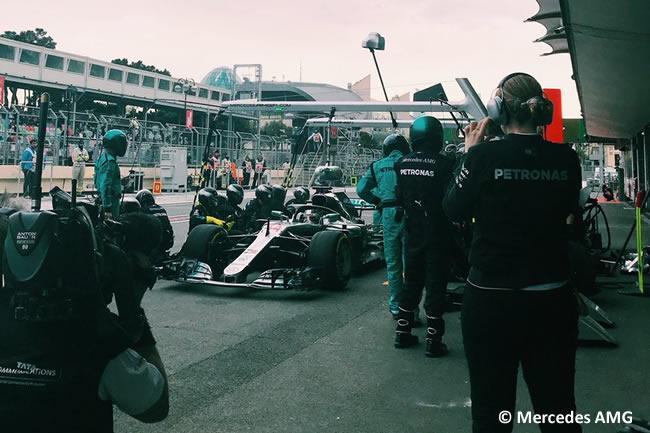 Lewis Hamilton - Mercedes AMG - Carrera - GP - Azerbaiyán, Bakú 2018