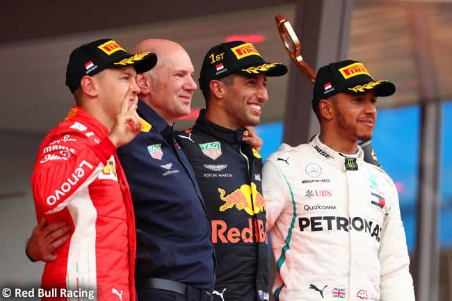 Victoria Daniel Ricciardo - Red Bull Racing - Sebastian Vettel - Lewis Hamilton - Podio - Carrera GP - Mónaco 2018
