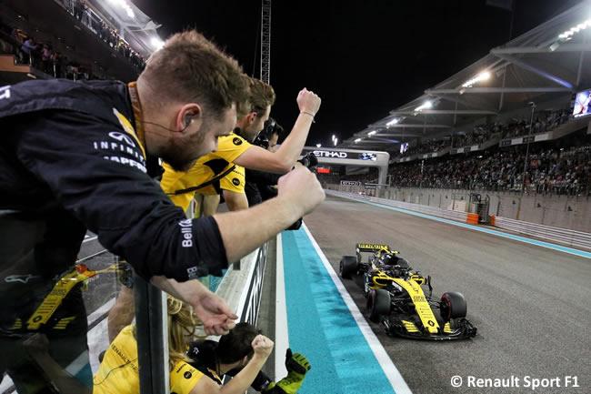 Carlos Sainz - Renault - Carrera - GP Abu Dhabi 2018