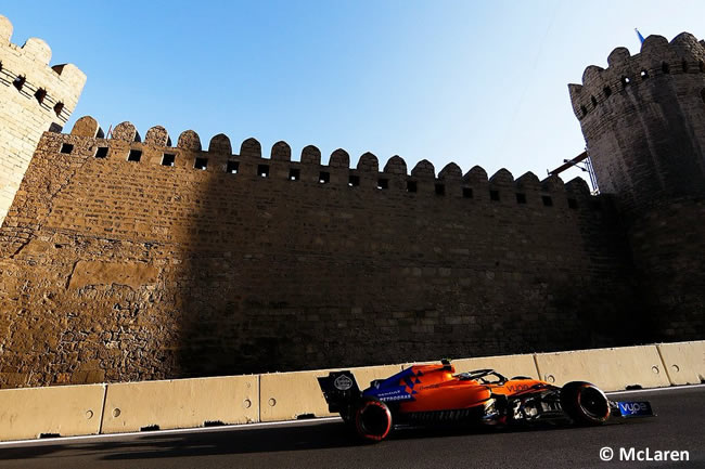 Carlos Sainz - McLaren - GP Azerbaiyan - Viernes